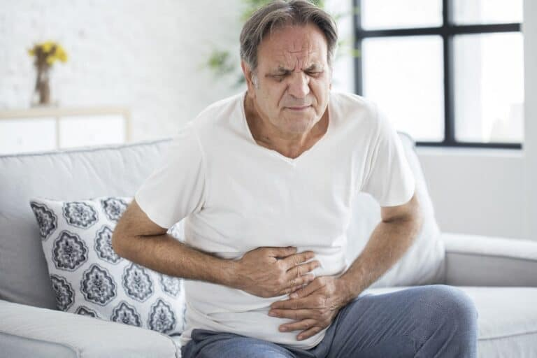 Zapalenie błony śluzowej żołądka – przyczyny, objawy i leczenie