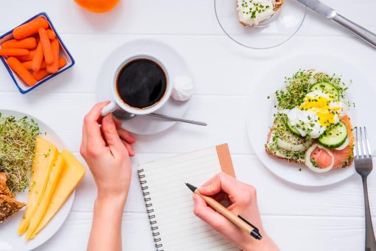 nawyki żywieniowe jak je zmienić aby czuć się dobrze i dostarczyć niezbędnych składników w trakcie diety