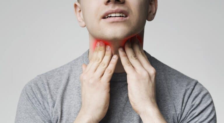 Rak szyi – objawy, przyczyny, dieta, leczenie irokowania. Jak rozpoznać pierwsze objawy nowotworu szyi?