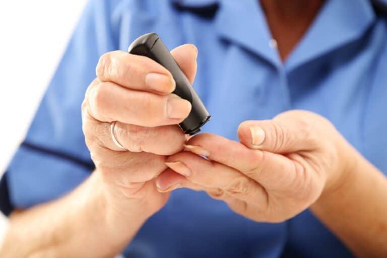 Jakich witamin brakuje przy cukrzycy niedobór iich zapotrzebowanie wtrakcie leczenia