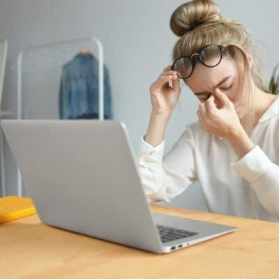 Chroniczne zmęczenie – brak energii, bezsenność, amoże przepracowanie? Sprawdź, co Ci dolega